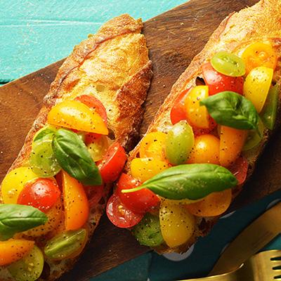 カラフルトマトのブルスケッタの画像