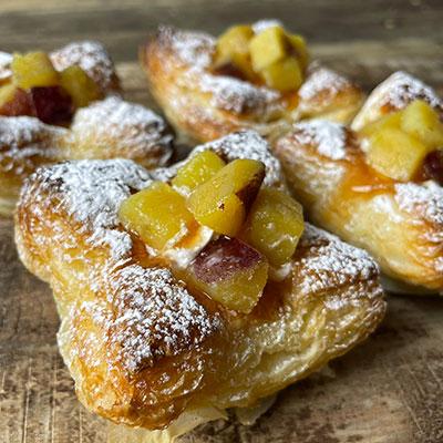 お芋とアップルシナモンデニッシュの画像